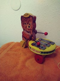 1960's fisher price pulltoy 586  Vancouver, 98684