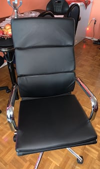 Office chrome chair black Toronto, M9V 4A4