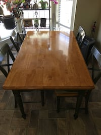Dining table and chairs Herndon, 20171