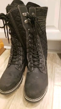 Womens Size 9 Snow boots