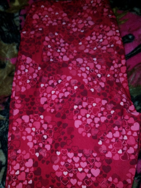 ab33db756cdd8e Used TC LulaRoe Valentines Day Leggings for sale in Roscommon - letgo
