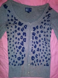 American Eagle sweater SMALL  Salem, 97301