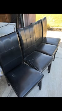 4 dining chairs $10 Lakewood, 90715