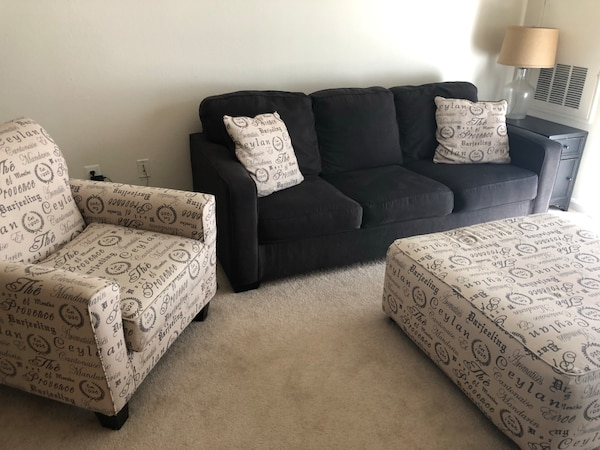 Living Room Set 7b1878b4-c330-4268-86ed-b88bc6be2348