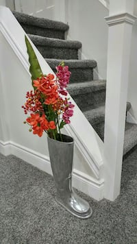 Umbrella stand with flowers