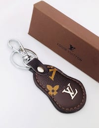Leather keychain with Box Oldsmar, 34677