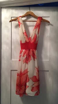 women's white and pink floral sleeveless dress Oakville, L6L