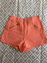 High waisted shorts - size 5 Montréal, H8R 2L9
