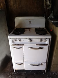 ANTIQUE WEDGEWOOD OVEN / STOVETOP Stockton