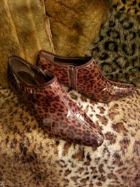 Boston Design Studio Leopard Print Shootie Size 7M New Never Worn!