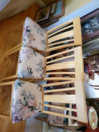 3 chairs, great shape..  priced as a set of 3. Leesburg