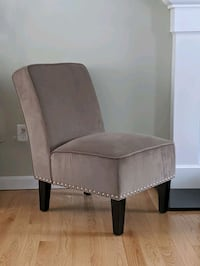 Set of 2 Gray Accent Chairs