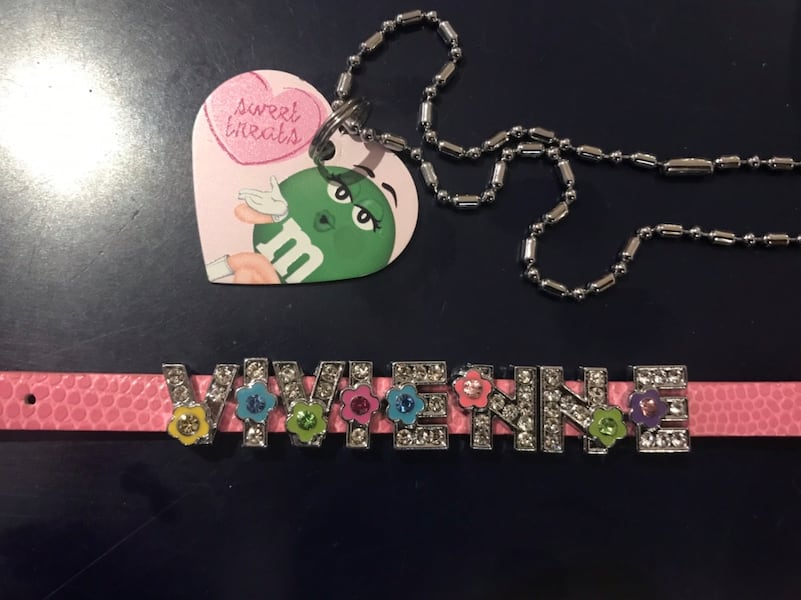 """""""Vivienne"""" jewelry for a little girl 802a6412-badc-4e74-b9c2-3fb4953df49c"""