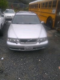 2000 Volvo - V70 -t5 5speed turbo Capitol Heights
