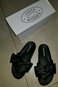 black leather open-toe sandals Brooklyn, 11230
