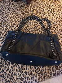Ashneil black leather purse, chain and leather handles Ashburn, 20148