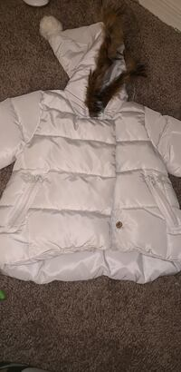 Beautiful infant coat size 12 months. Only worn once! District Heights, 20747