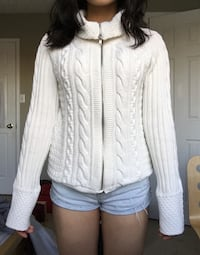 White Zip-Up Sweater Barrie, L4N 8V9