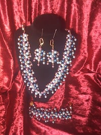 One of a kind set of pearls(necklace,earrings and bracelet) New Llano, 71461