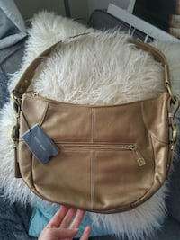 new with tags purse retails $90 Winnipeg, R3M
