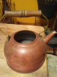 Antique copper tea kettle Pottsville, 17901