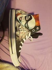 unpaired of white Harley Quinn high-top shoe
