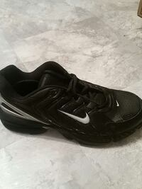 Mens air max tr.  Best offer.