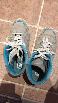 Pair of gray-and-blue  running shoes size 9 Regina, S4N