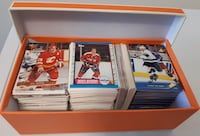 550 Variety Hockey Cards... $15 Firm For All Cards. Comes in a box... Calgary