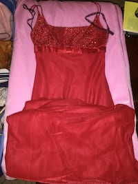 Gorgeous long red dress size 1 Oklahoma City, 73108