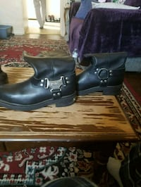 pair of black leather boots Windsor, N9A 4T2