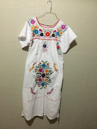 white and multicolored floral dress San Antonio, 78223