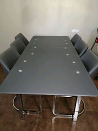 Kitchen table with chairs Edmonton, T5T 5X7