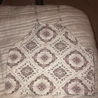 white and gray floral bed sheet Alexandria, 22303