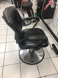 Black leather padded rolling chair Toronto, M9M 2E7