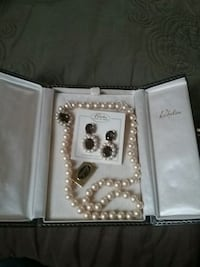 Vintage Richelieu pearl necklace and earrings Shirley, 11967