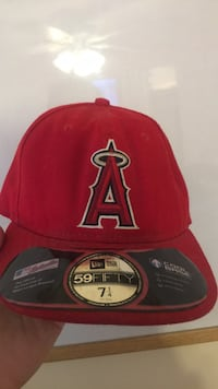Red and black new era 9fifty snapback cap Bethpage, 11714