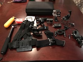 Assorted action camera item lot