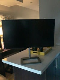 31 INCH LG MONITOR FULLY ADJUSTABLE Toronto