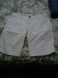 White Maurices Woman Bermuda Shorts 11/12 in Great Kansas City