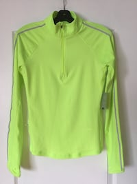 Athletic Pullover with thumb hole/pocket, Ladies(M)tags still attached Brampton, L6R 2S1
