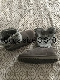Girls Authentic Uggs Size 3  Ann Arbor, 48103