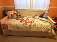 Children's White Daybed - willing to negotiate and potentially deliver  54 km