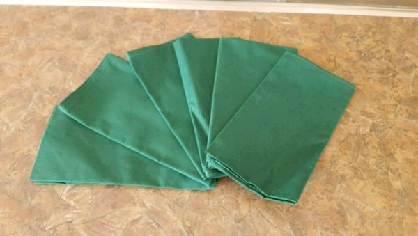 6 Cloth Napkins (new)