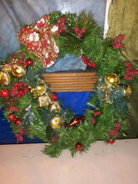 Vintage Red and Gold Christmas Wreath Owosso, 48867