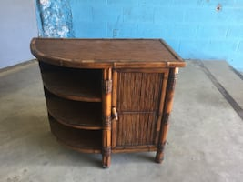Wicker End Table / Entrance table