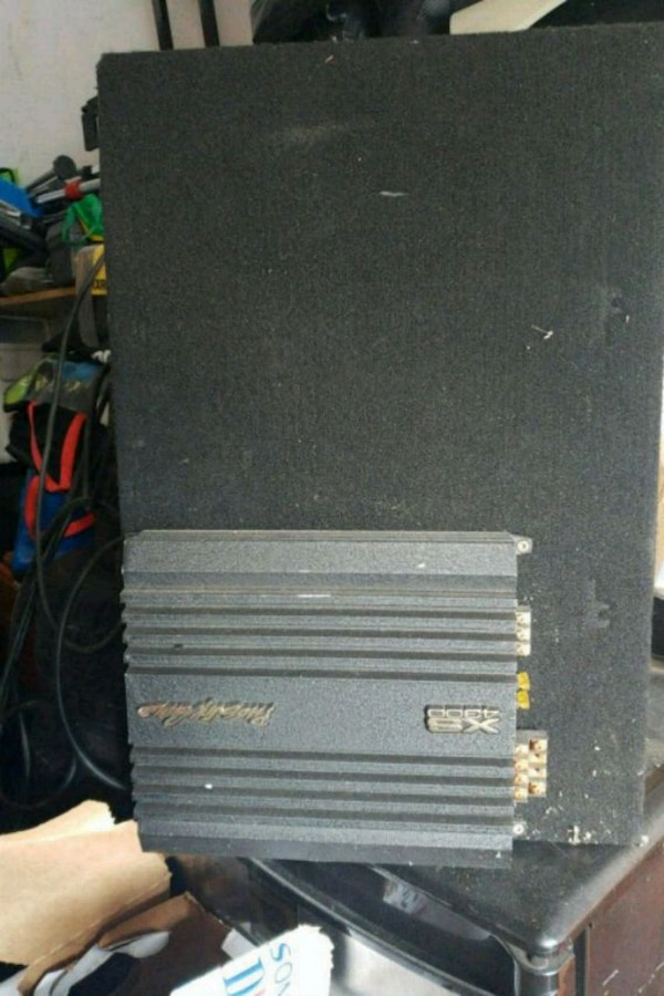 black and gray car amplifier