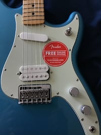 Fender Duo-sonic HS Electric Guitar Lake Placid Blue MINT condition FREDERICK