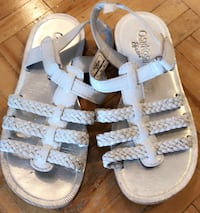 toddler's white-and-blue sandals Toronto, M3N 2H4