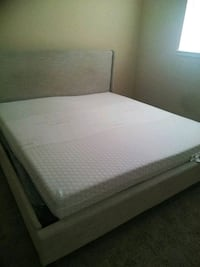 King size bed/ mattress Greater Landover, 20784